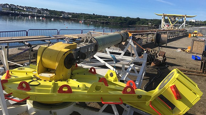 Minesto's DG500 kite system undergoing inshore commissioning tests on the quayside in Holyhead. Photo: Magnus Fredriksson.